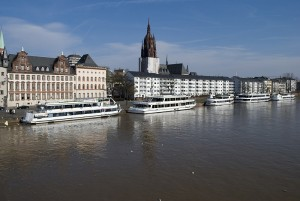 Main-Schifffahrt in Frankfurt
