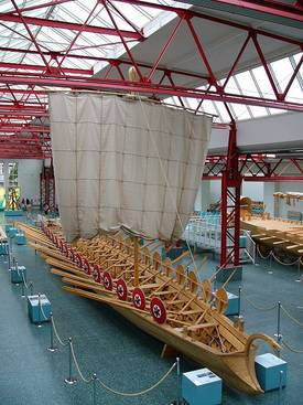 museum f r antike schifffahrt in mainz schiffe aus der r merzeit. Black Bedroom Furniture Sets. Home Design Ideas