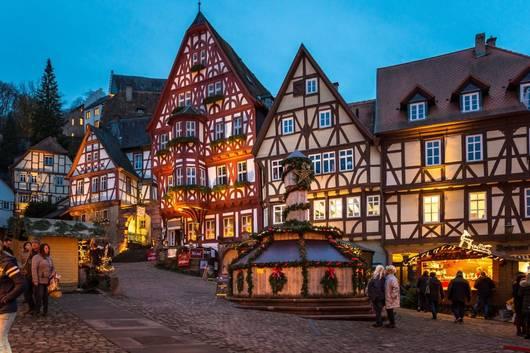 Weihnachtsmarkt Hanau.Weihnachtsmarkt In Miltenberg An Den Adventswochenenden
